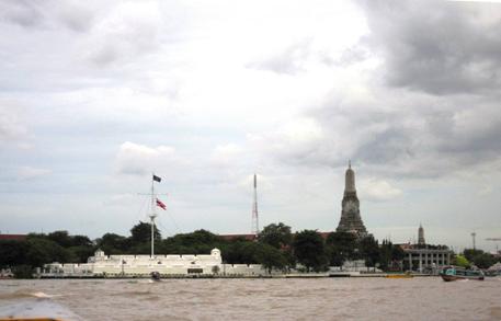 mot-ngay-lac-buoc-tai-bangkok-thai-lan-song-chaophaya