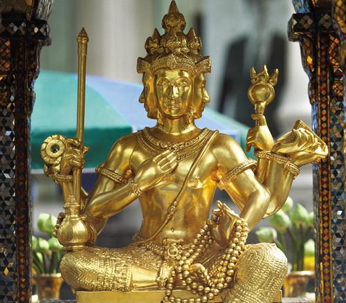 du-lich-thai-lan-thu-hut-du-khach-phat