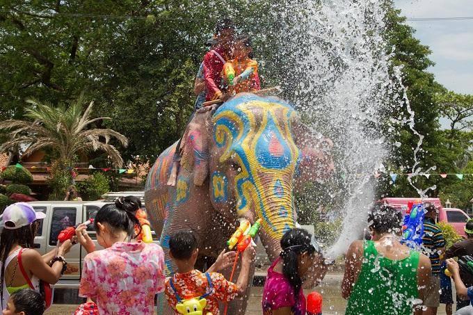 Du lịch vào dịp lễ té nước ở Thái Lan