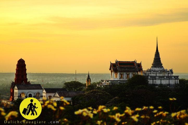 quyến rủ vàng son hoàng gia tại Hua Hin Thái Lan Khao Wang